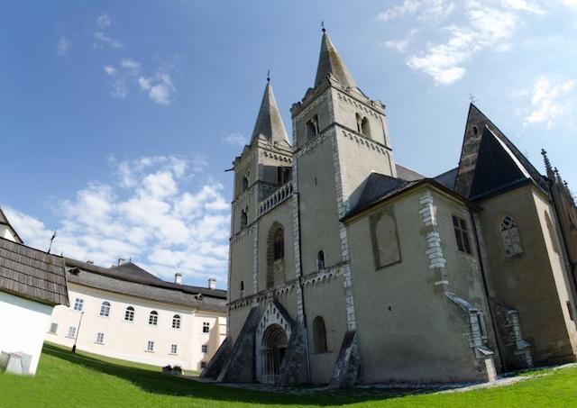 Spišskí biskupi sa vyliečili z ochorenia COVID-19
