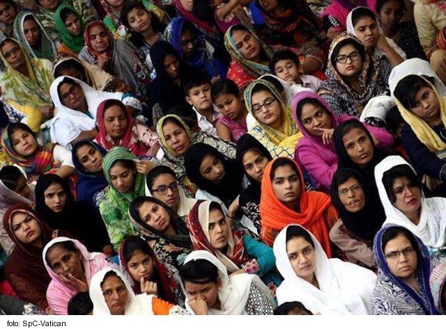 Pakistanskí kresťania proti núteným manželstvám