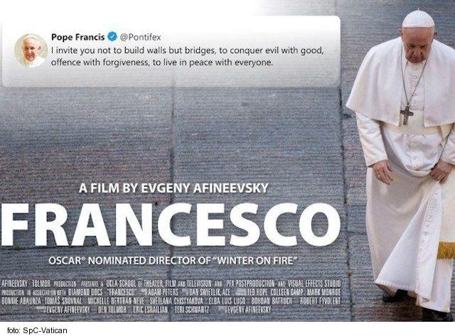 Film Francesco vyvolal pozornosť ale manipuluje kontext