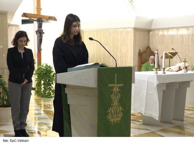 Pápež František ustanovil prístup k lektorátu a akolytátu i pre ženy