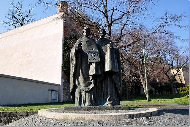 Priame prenosy z Bratislavy a Nitry