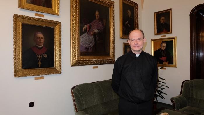 PODCAST: Biskup M. Chovanec - Čo dokážeme so svetlom od Ježiša