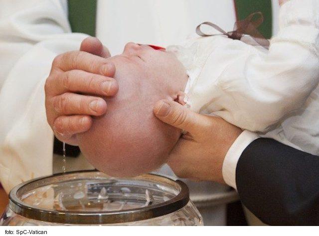 Farnosť Skalité ponúka možnosť rozšíriť vedomosti pri príprave na krst dieťaťa