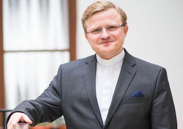 Jezuita Miloš Lichner zverejňuje na sociálnej sieti úryvky z prekladov cirkevných otcov