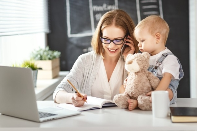 Spoločenský komentár: Matky a zamestnanie
