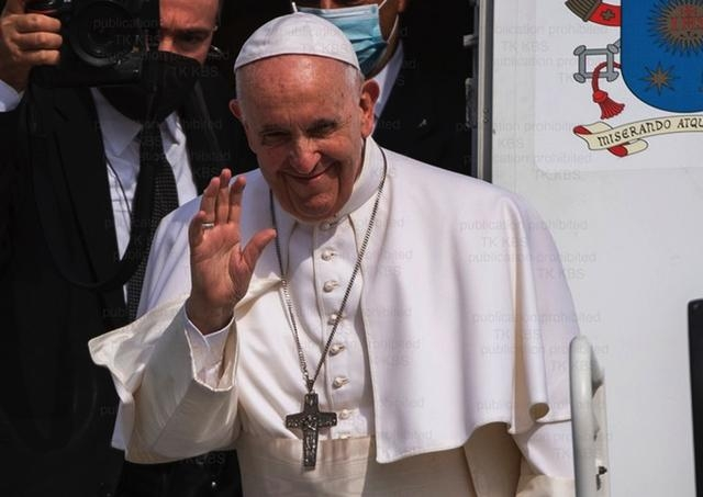 Mons. Zvolenský: Posolstvo, ktoré nám Svätý Otec priniesol, je veľmi obohacujúce