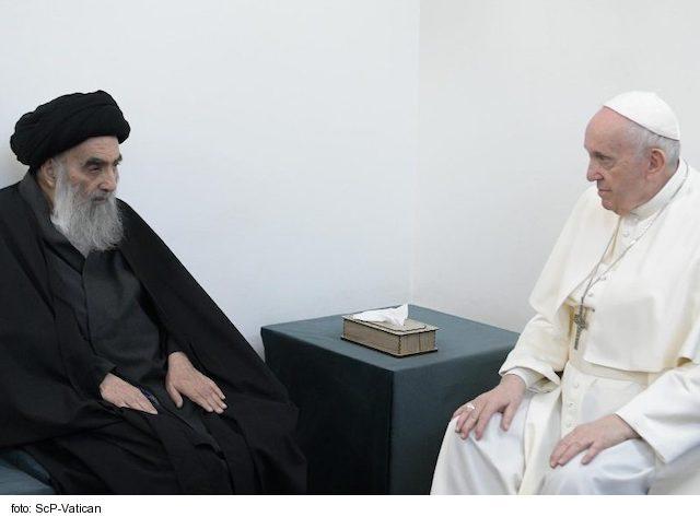 Kresťania a moslimovia nesú spoločnú zodpovednosť za mier, povedal Svätý Otec
