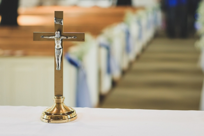 Biskupi dali kňazom inštrukcie o plošnom zákaze sv. omší