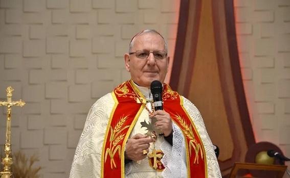 Pápež František pricestuje do Iraku