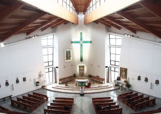 Vo Svätyni Božieho milosrdenstva v Smižanoch je výstava pápežských darov