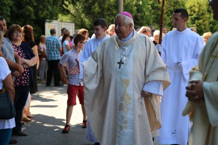 Špeciálne relácie o zosnulom biskupovi Štefanovi Sečkovi