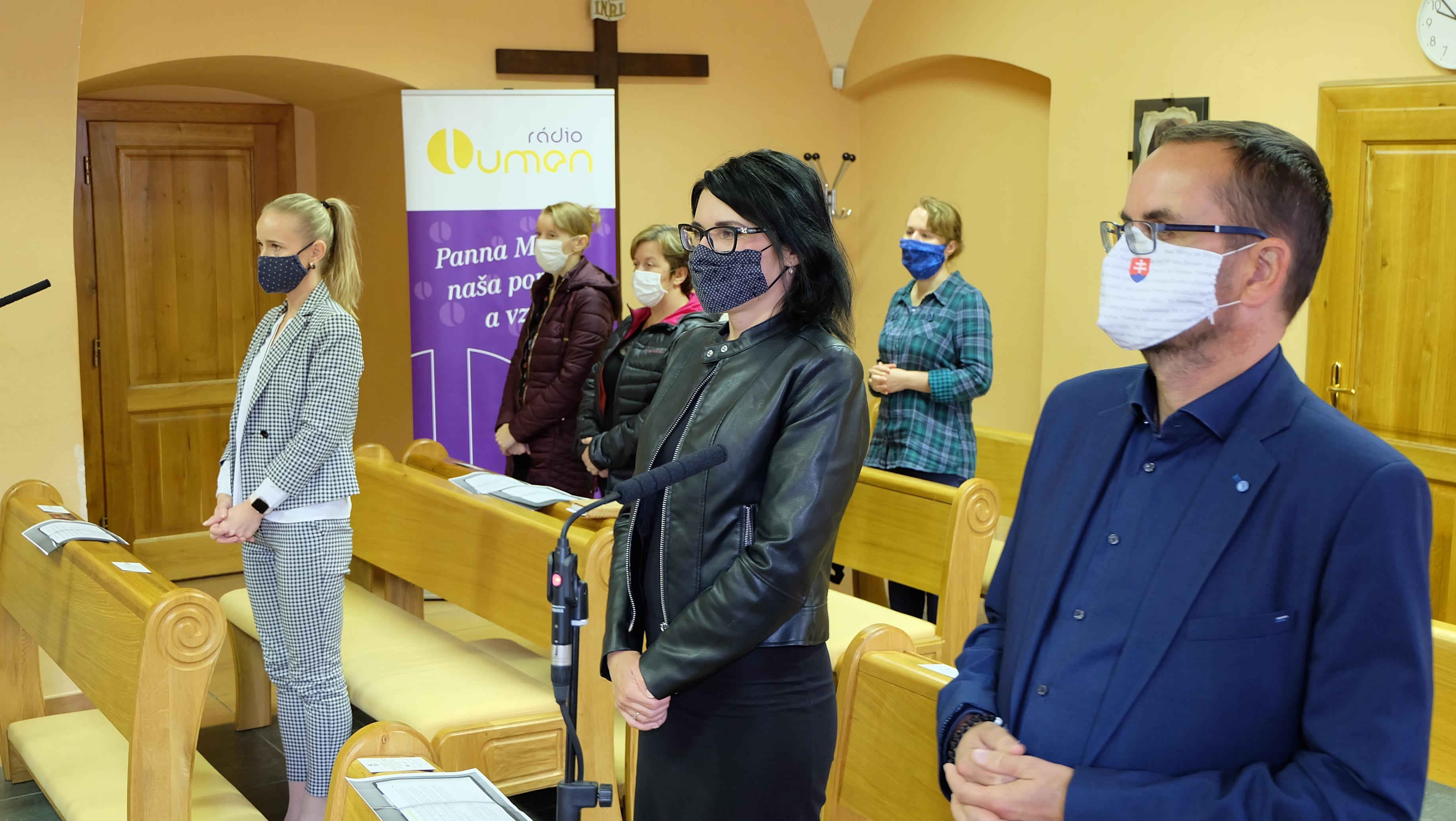 Aj v rozhlasovej kaplnke platili epidemiologické pravidlá